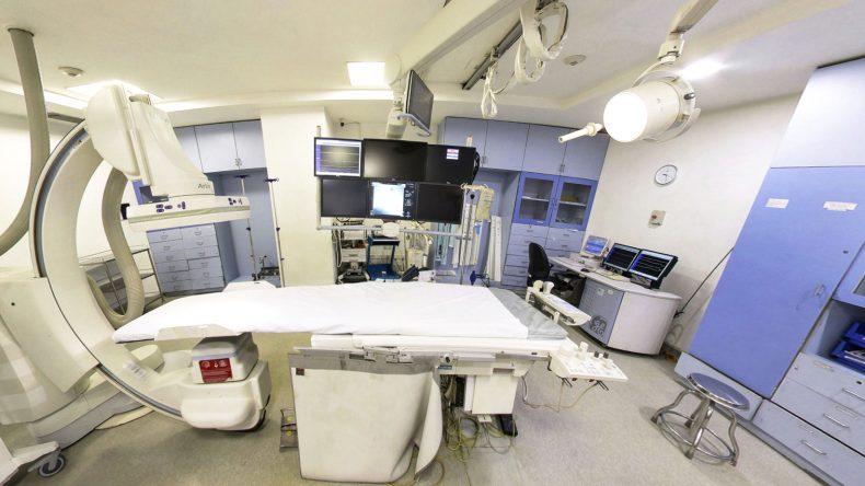 Ангиограф Siemens Artis в клинике Меданта