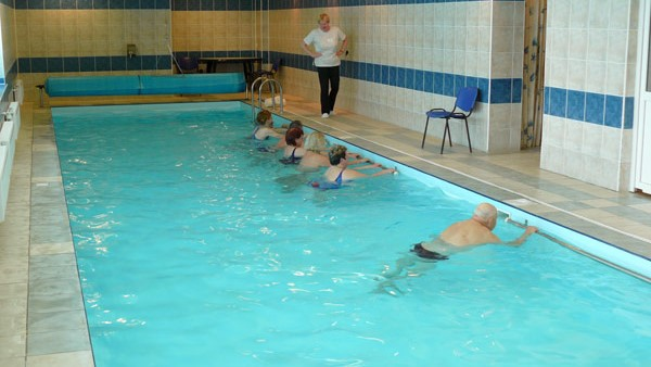 Реабилитация в воде в клинике Абромишкес