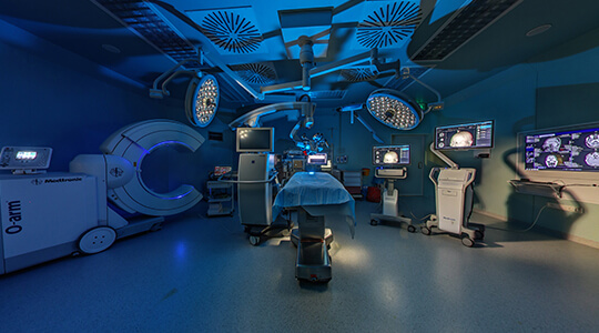Гибридная операционная в клинике Анадолу